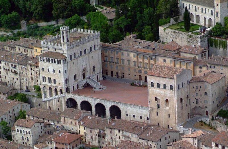 Gubbio - Cosa Vedere - Piazza Grande