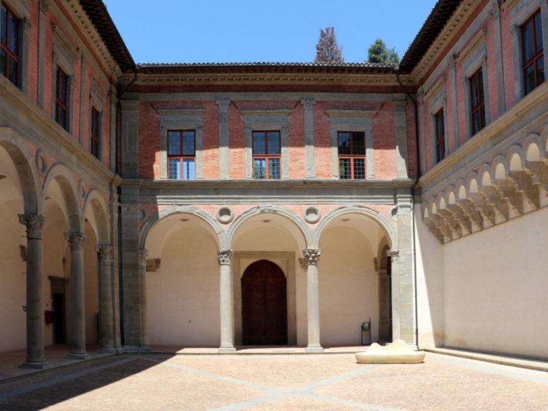 Gubbio - Cosa Vedere - Palazzo Ducale cortile interno