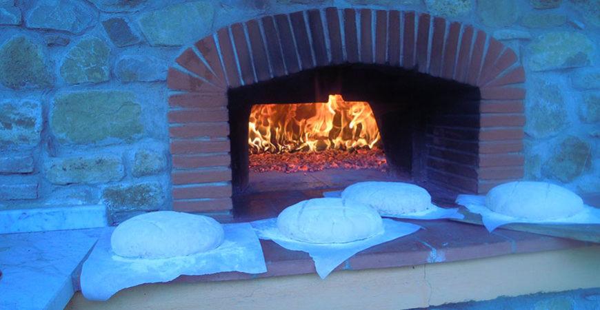Villa Valentina SPA - pane fatto in casa e cotto a legna