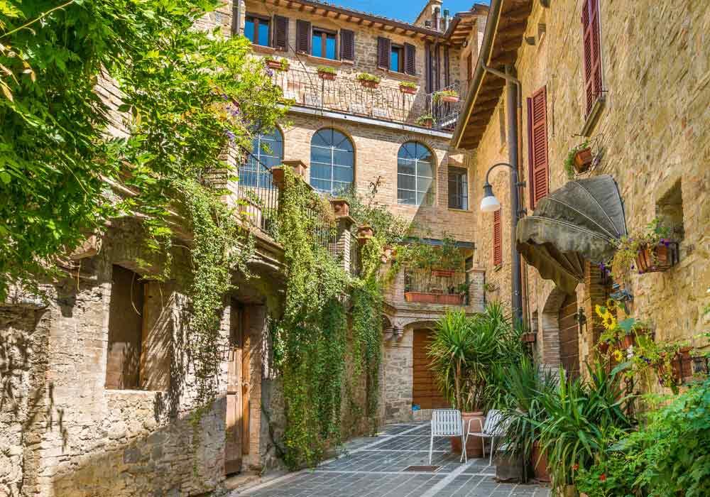 Bettona vie del centro - Borghi Umbria