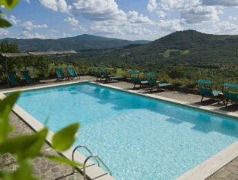 Piscina esterna del Relais Villa Monte Solare