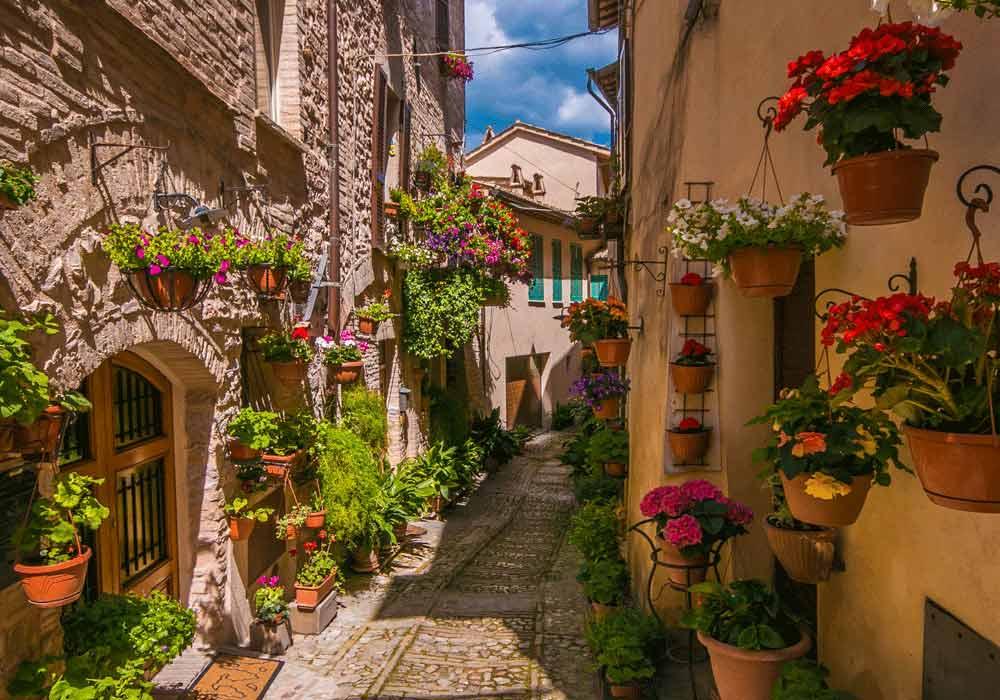Spello vicoli fioriti - Borghi Umbria