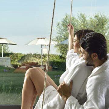 Uomo e Donna al Borgobrufa resort and spa - Fuga anti-stress benessere & lavoro