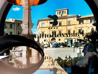Vista sulla Piazza di Montefalco dell'Hotel Bontadosi